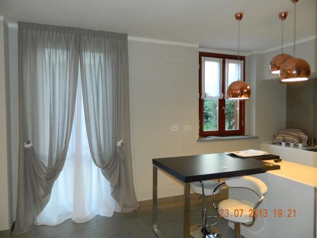 Tende per interni torino vendita tende interne per camerette soggiorni - Tendaggi per cucina moderna ...